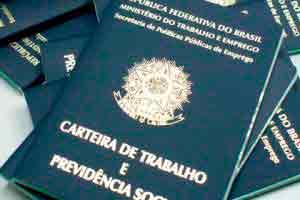 CTPS - Carteira de Trabalho e Previdência Social .